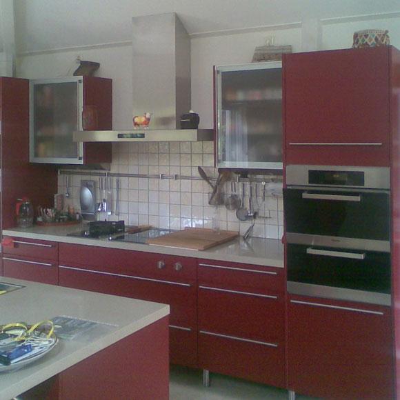 Open keuken met diverse inbouw apparatuur
